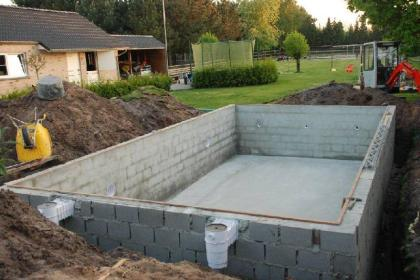Hout beton schutting zwembad aanleggen kostprijs for Kostprijs zwemvijver aanleggen
