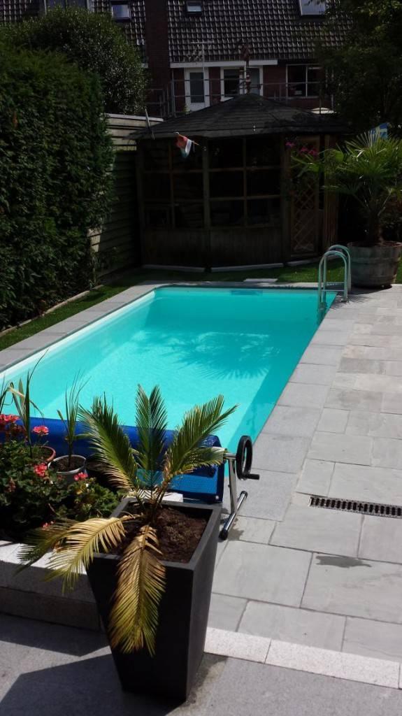 Zwembad met witte folie liner bouw zelf je zwembad for Bouw zelf je zwembad