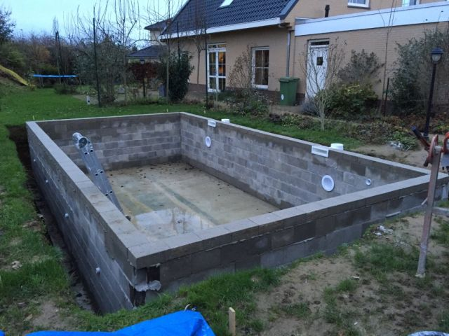 zwembad in ruwbouw fase bouw zelf je zwembad