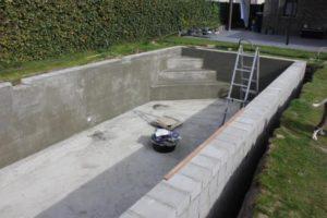 Zwembad met betonstenen fase 1 11