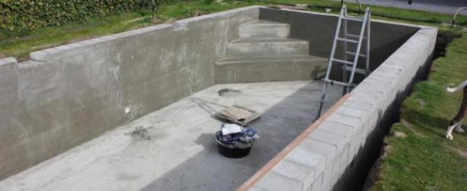 Zwembad met betonstenen fase 1 for Bouw zelf je zwembad
